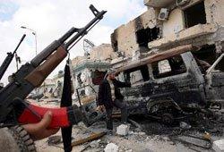 Ataca la OTAN  Nalyut y repite asedio a la capital libia
