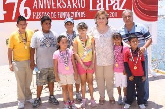 Premian a ganadores de torneo de pesca infantil