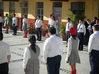Develan alumnos de la primaria Rosendo Robles mural sobre derechos humanos