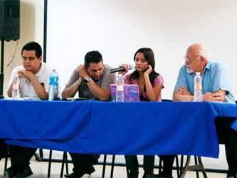 El rey del género negro en el noroeste, Élmer Mendoza (de Culiacán); el poeta Jorge Ortega, ganador del Jaime Sabines 2010 (de Mexicali) y el escritor sudcaliforniano, mas con vida sonorense, Miguel Ángel Avilés, fueron el plato fuerte del Quinto Encuentro Estatal de Escritores Sudcalifornianos, el cual culminó el pasado sábado 19 de junio, en la Galería de Arte Carlos Olachea.