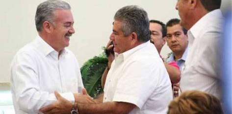 """A juicio del gobernador Covarrubias Villaseñor, financieramente el gobierno se encuentra actualmente """"contra la pared""""."""