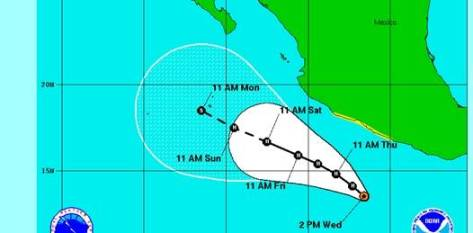 """Hacia el mediodía del miércoles Adrián estaba clasificada como tormenta tropical por mostrar el característico """"ojo de tormenta"""" y por sus vientos con una intensidad superior a los 60 nudos (111 km/h)."""