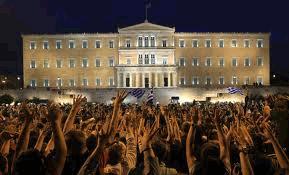 Grecia decide su futuro en medio de huelgas y protestas