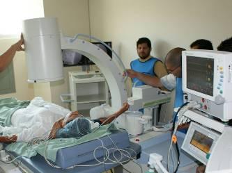 Ponen en servicio equipo para eliminar cálculos renales sin cirugía