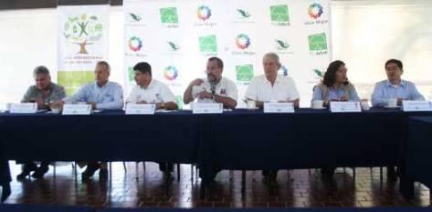 Francisco Flores González, gerente estatal de la CONAFOR, señaló que la participación de la entidad es simbólica, dentro del plan nacional, pues reforestar en una zona con problemas de sequía como el nuestro es sumamente comprometedor.