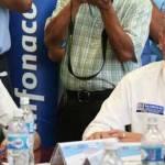 """""""En este momento yo soy de Baja California Sur"""" contestó recientemente el jefe del ejecutivo estatal cuando se le preguntó sus preferencias políticas, las cuales a nivel nacional son manifiestas mientras dentro del estado no habla al respecto."""