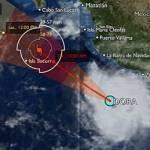El huracán Dora se intensificó a categoría III en la escala Saffir Simpson, con un rápido desplazamiento en paralelo a las costas del Pacífico Mexicano, por lo que se mantiene la zona de alerta desde Lázaro Cárdenas, Michoacán, hasta Cabo Corrientes, Jalisco.
