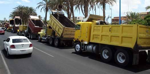 Levantan camioneros plantón en palacio de Gobierno. Aceptaron ofrecimiento de la Dirección del Transporte