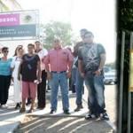 """Los trabajadores paceños de la secretaría manifestaron que no se iban a abrir las instalaciones de la dependencia hasta que """"llegara el aviso del centro""""."""