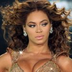 En el sensual video, Beyoncé canta sobre ser íntimo con un interés del amor y aparece en varias imágenes fijas llevando un strapless que deja ver a través de la vestimenta que ella supuestamente se desnuda, aunque la cantante se muestra usando un bikini lencería.