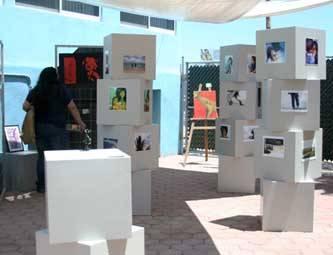 Exponen su trabajo alumnos de Diseño Gráfico y Artes Visuales de la UM