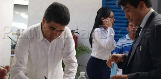 Entregan a José Bernal nombramiento como delegado de la  PGR