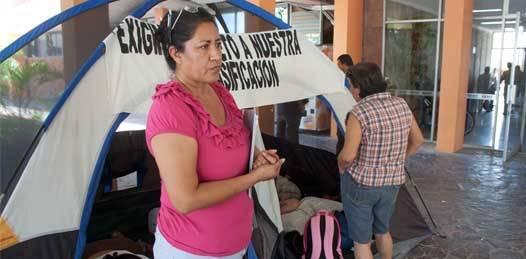 Vuelven las  trabajadoras comundeñas a tomar el palacio de gobierno