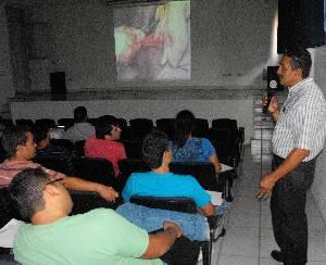 Impartieron en la UABCS curso sobre medicina preventiva y manejo en equinos