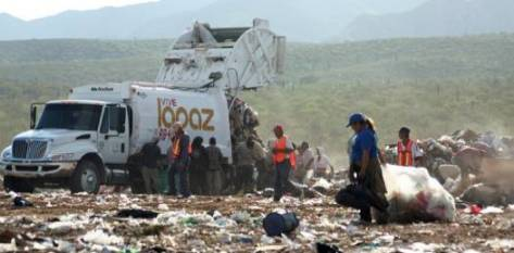 Quince millones de pesos se destinarán para realizar trabajos en las trincheras del relleno sanitario de La Paz, buscando una solucionar lo saturado del tiradero de basura y mejorar los programas de manejo y disposición de residuos sólidos.