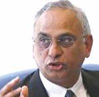 Tras reprobar a los EU, renuncia el presidente de Standard & Poor's
