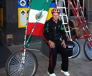Elías de Souza, una vida que marcha sobre ruedas…
