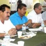 Durante la reunión, estuvieron presentes Alfonso Meza, comandante de la Policía preventiva en Cabo San Lucas; Víctor Manuel Cota Burgueño; comandante de Vialidad y Tránsito; Manuel Agúndez Bañaga; coordinador del Transporte, así como representantes de los transportistas.