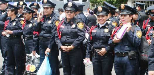"""Los cuerpos policiacos, terreno donde """"falta muchisísimo por caminar"""" en equidad de género"""