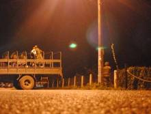 Elementos militares y de la policía estatal, se enfrentaron a balazos contra un grupo de presuntos narcotraficantes en una refriega que arrojó como saldo un infante de marina y un sicario muertos así como 2 agentes ministeriales heridos.