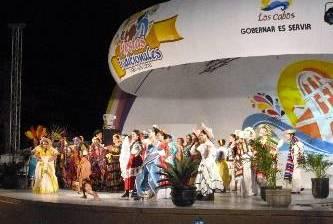 Precarias pero alegres las Fiestas Tradicionales de CSL