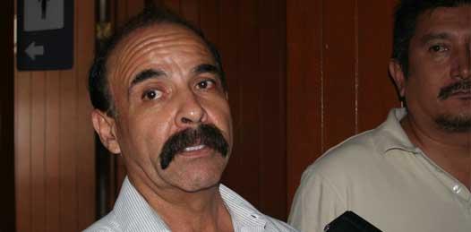 Cierran la Secundaria Morelos, maestros no trabajan con la nueva directiva