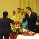 La UABCS entregó reconocimientos a sus trabajadores administrativos por años de servicio durante la celebración de aniversario del SUTAUABCS.