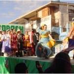 Con un relevante y numeroso contingente participó en el desfile del 20 de Noviembre el Colegio de Bachilleres, Plantel 06, con sede en este puerto, como pudo constatar la ciudadanía que se dio cita en las principales avenidas de esta cabecera municipal.