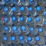 Los sudcalifornianos somos la población del país que mayor consumo de agua embotellada reporta, esto tomando en cuenta que el país es el segundo consumidor de agua embotellada en el mundo de acuerdo con un estudio publicado por la el Instituto Real de Servicios Unidos.