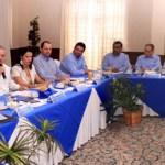 El Gobierno será un interlocutor para que los productores primarios de la entidad puedan comercializar sus productos en las grandes cadenas comerciales que se asientan en el estado, dijo el Gobernador Marcos Covarrubias Villaseñor, al sostener un encuentro con directivos de estas empresas.