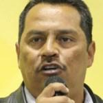 Desde anoche se conocía de manera extraoficial el arresto del también exalcalde cabeño y exdiputado local, a quien agentes ministeriales le ejecutaron una orden de aprehensión que se hizo válida en el domicilio del funcionario en el fraccionamiento MonteReal Residencial en el austral municipio.