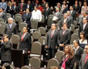 Busca la PGR a los espías del Congreso