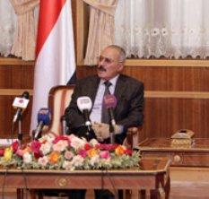 Pide perdón el Presidente de Yemen y abandona el país
