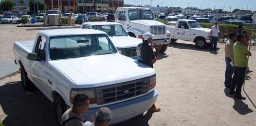 Dona la CFE vehículos al ayuntamiento
