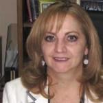 "La Ley del Instituto Federal Electoral (IFE) no presenta los ""claroscuros"" que se dan en la Ley del Instituto Estatal Electoral (IEE) de Baja California Sur (BCS), hizo ver Marina Garmendia Gómez, Vocal Ejecutiva de la Junta Local del IFE."