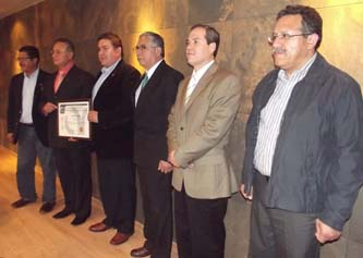 Recibe Biblioteca UABCS certificado ISO 9001-2008