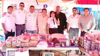 Participan cabeños en el Festival de la Ballena en López Mateos