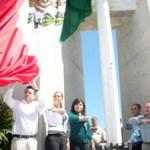 """El H. XI Ayuntamiento de Los Cabos que preside el Ingeniero José Antonio Agúndez Montaño llevó a cabo la celebración del """"Día Nacional de la Bandera"""" como año tras año es celebrado en el Cerro de la Bandera."""