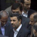 Gran parte de la comunidad internacional, con Estados Unidos e Israel a la cabeza, acusan al régimen iraní de ocultar bajo su programa civil otro de naturaleza clandestina y carácter militar, cuyo objetivo sería producir bombas nucleares, lo que Irán niega.