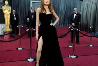 La pierna de Jolie tiene… Twitter!