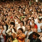 A los precandidatos presidenciales y para otros cargos les está prohibido organizar mítines, eventos o actos públicos en plazas, estadios, o lugares abiertos.