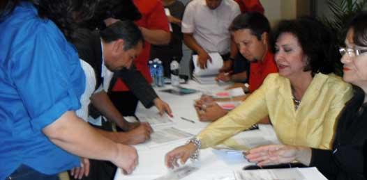"""Entregan 35 bonos del programa """"Ampliación de Vivienda 2011"""""""