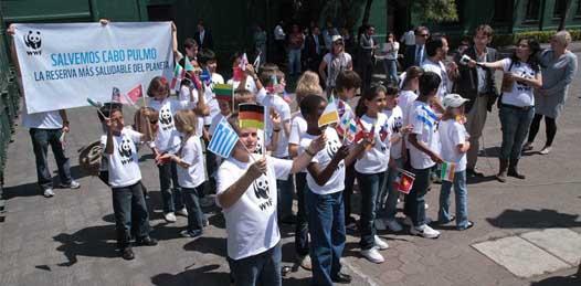 Piden niños al presidente Calderón en Los Pinos, que cancele Cabo Cortés