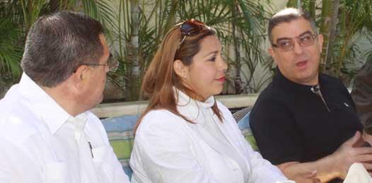 El secretario general del Ayuntamiento paceño, Guillermo Beltrán Rochín, ofreció al embajador un portafolio de inversiones donde se encuentran estadísticas para inversionistas egipcios, oportunidades de negocios y atributos de la calidad de vida en esta zona de la república.