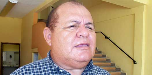Maximino Iglesias Caro y  Javier Osuna Frías,  dirigentes del Sindicato de Burócratas del estado y su sección La Paz, respectivamente, fueron recibidos en la capital del estado por Sergio Hidalgo Monroy Portillo, director nacional del Instituto de Seguridad y Servicios Sociales de los Trabajadores del Estado.