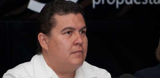 El Rector de la Universidad Autónoma de Baja California Sur, Gustavo Cruz Chávez, estimó que para el primer semestre de 2013, se estará arrancando la primera generación de la Licenciatura en Agua.