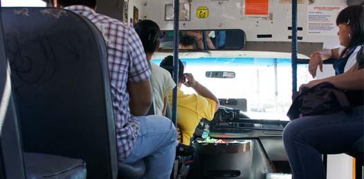 Someterán a revisión a taxis y peseros de La Paz