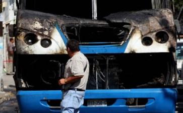 Sacude Guadalajara decena de 'narcobloqueos'