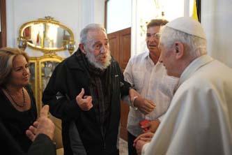 Departen Fidel y Benedicto en La Habana