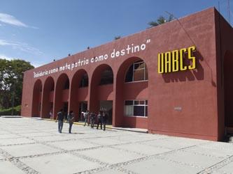 Firman acuerdo Rector de la UABCS y sindicato de académicos